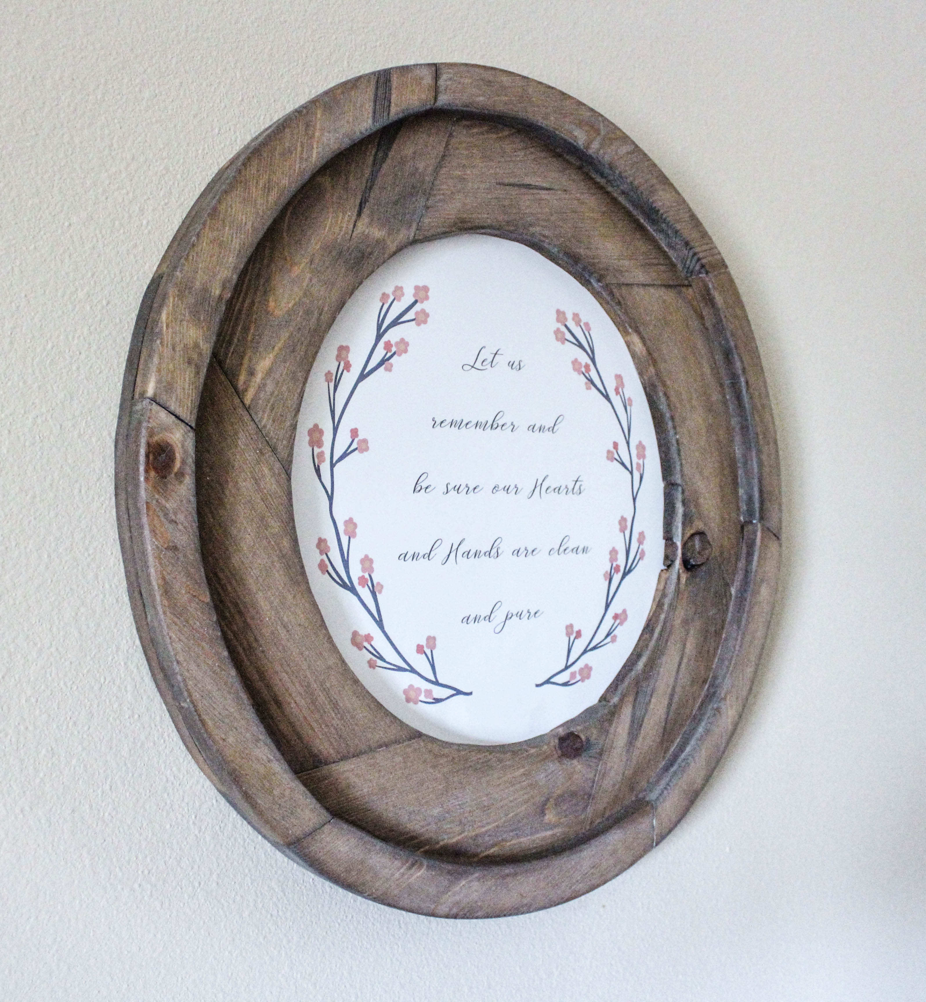 Easy diy round picture frame or mirror made from wood for How to make a round frame for mirror